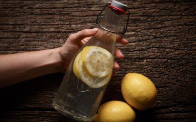 Ist Zitronenwasser wirklich so gesund?